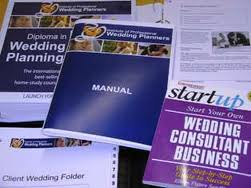 How to Become a Wedding Planner 1