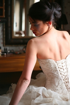 How to Choose a Wedding Dress That Suits Your Figure 2