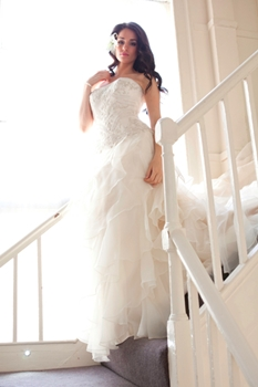 How to Choose a Wedding Dress That Suits Your Figure 3