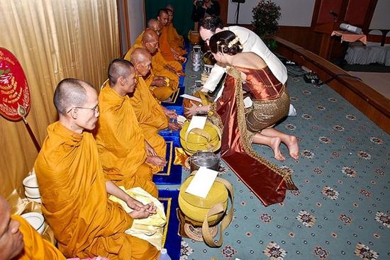 Traditional Thai Weddings 2