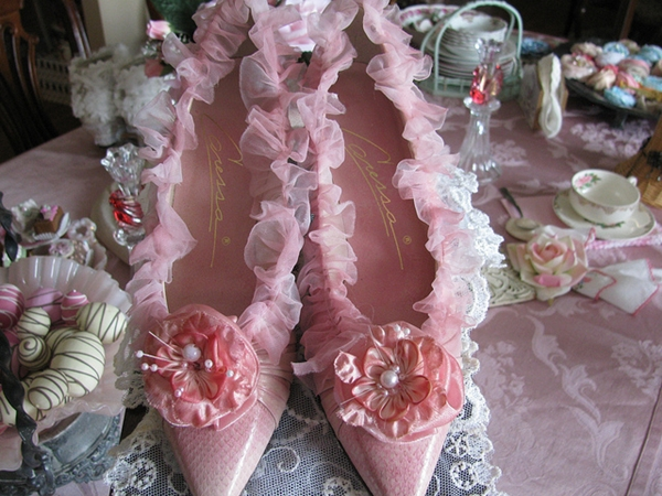 DIY Embellishment Ideas for Your Bridal Shoes! 1