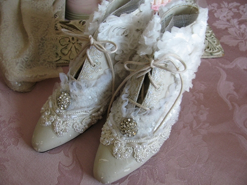 DIY Embellishment Ideas for Your Bridal Shoes! 3