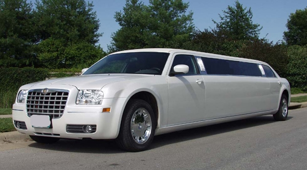Wedding Planning - Choose a Limousine for the Wedding 1